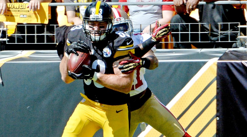 Pittsburgh Steelers WR Heath Miller helps his team overcome early deficit with late touchdown